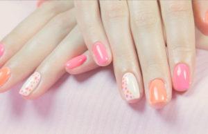 manicure neonowy
