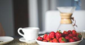 Miseczka ze smakowitymi truskawkami