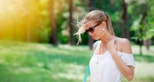 kobieta na słońcu